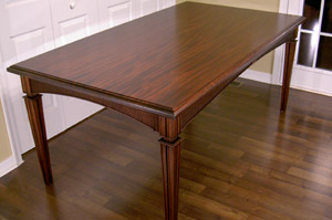 feat-dining-table